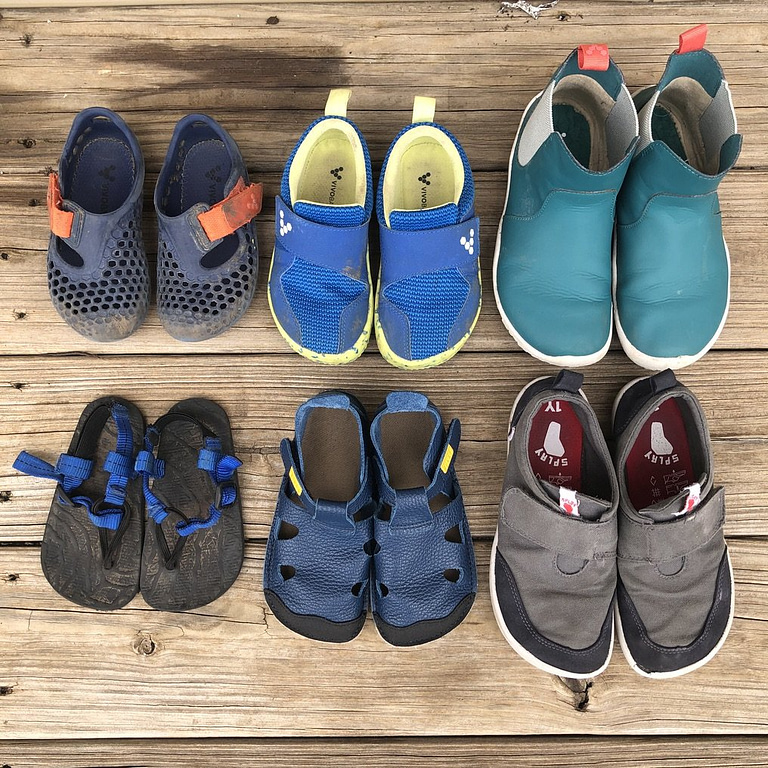 the best kid's barefoot shoes vivobarefoot, unshoes, tikki, splay athletics